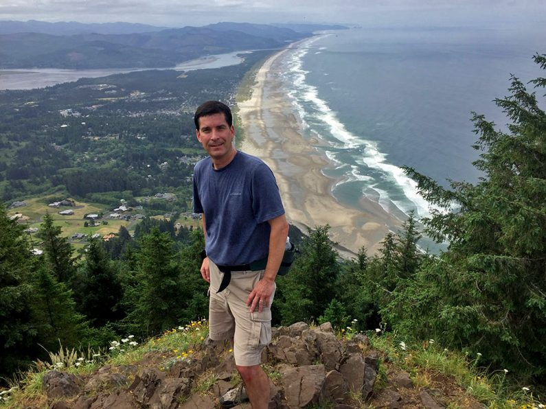 Mike Sunseri, Manzanita, Oregon, Neahkahnie Mountain to Cape Falcon hike scenic view of Pacific Ocean